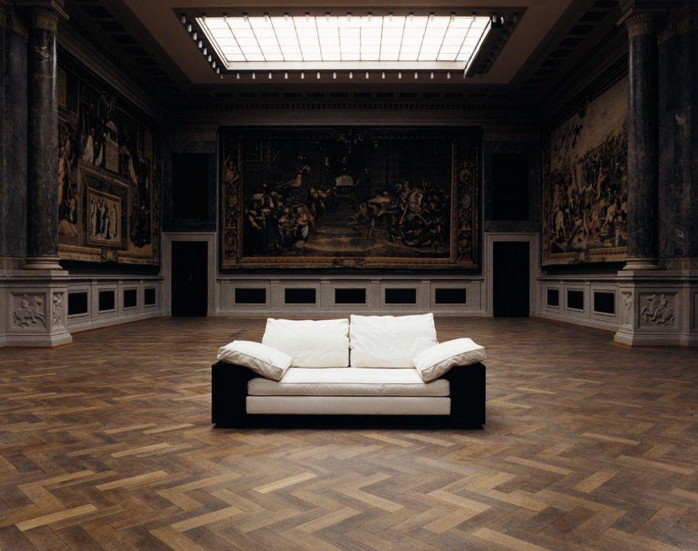 Sofa LOTA by Eileen Gray ClassiCon www.bijdendom.nl