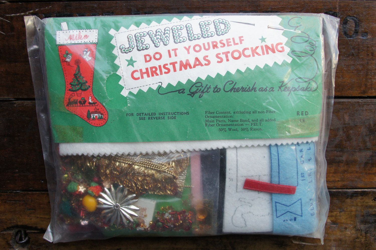 Jeweled red christmas stocking do it yourself edna looney jeweled red christmas stocking do it yourself edna looney product sequinsewing nos solutioingenieria Images