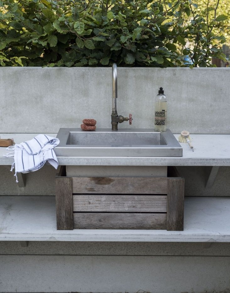 Steal This Look The Ultimate Summery Outdoor Kitchen Outdoor Kitchen Outdoor Kitchen Design Outdoor Sinks