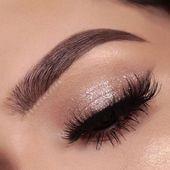 Impresionantes ideas de maquillaje de ojos brillantes #glittereyemakeup Impresionantes ojos de brillo …