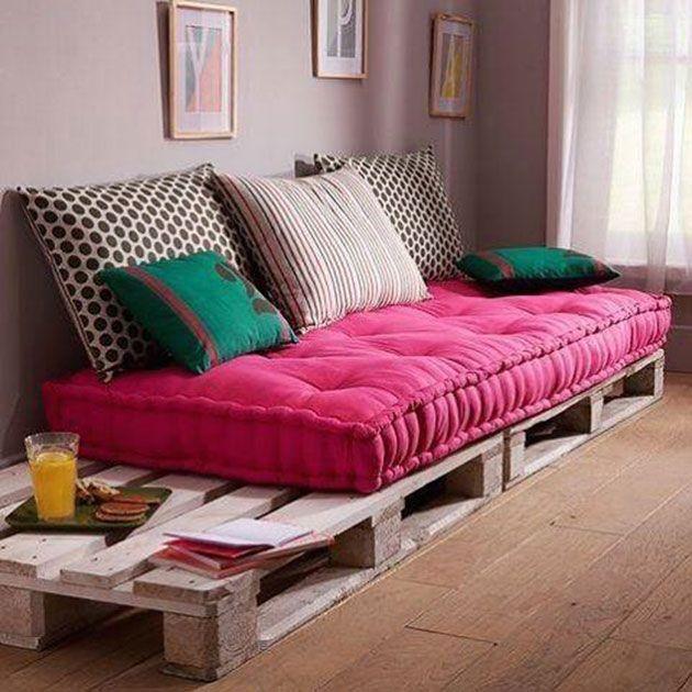 22 estupendos sillones y sof s hechos de palets de madera - Colchones para palets ...