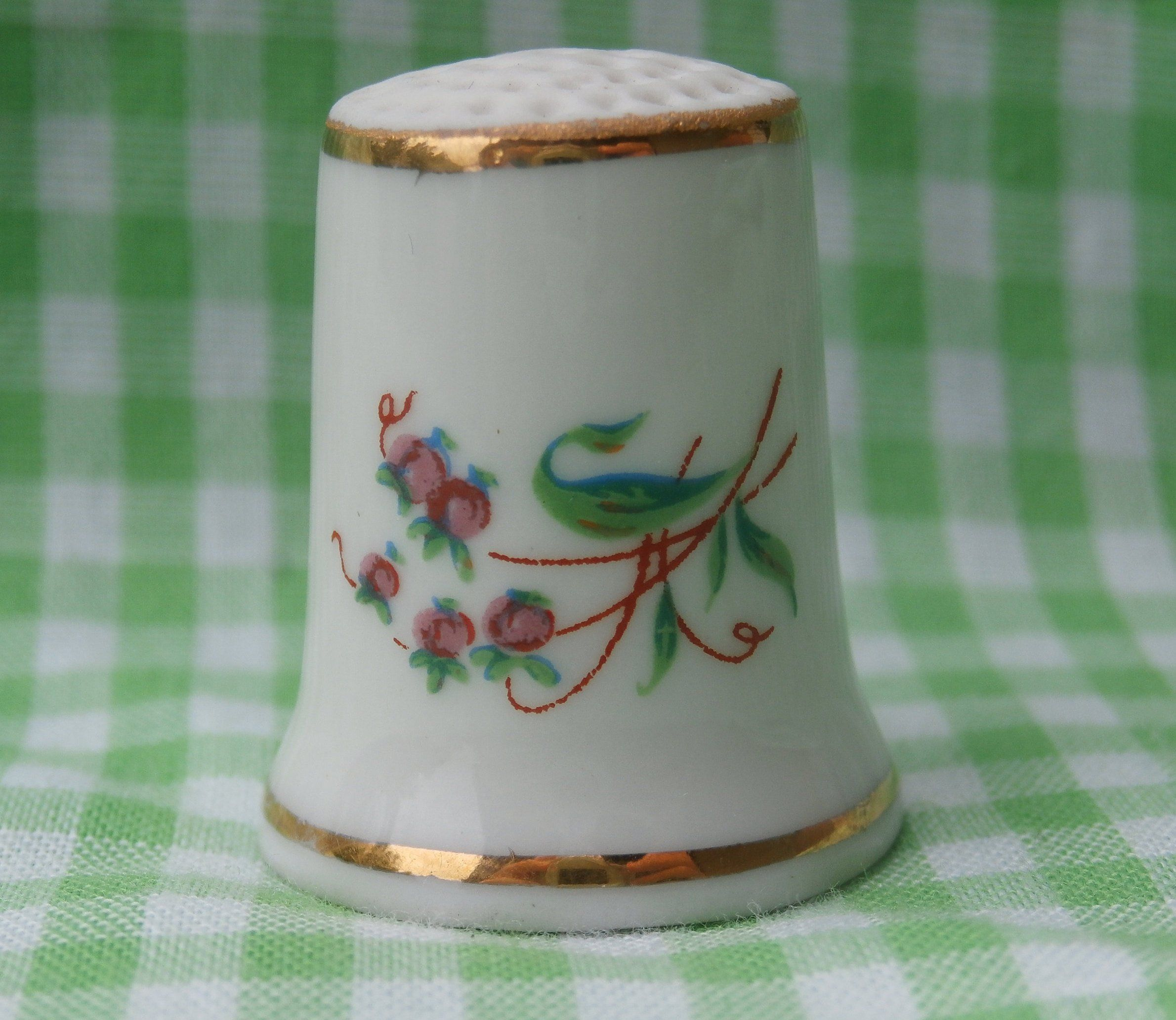 4cffed91d8047 Pretty Hollohaza Thimble with Pink Flowers Vintage Collectible Made in  Hungary White with Gold Trim Floral