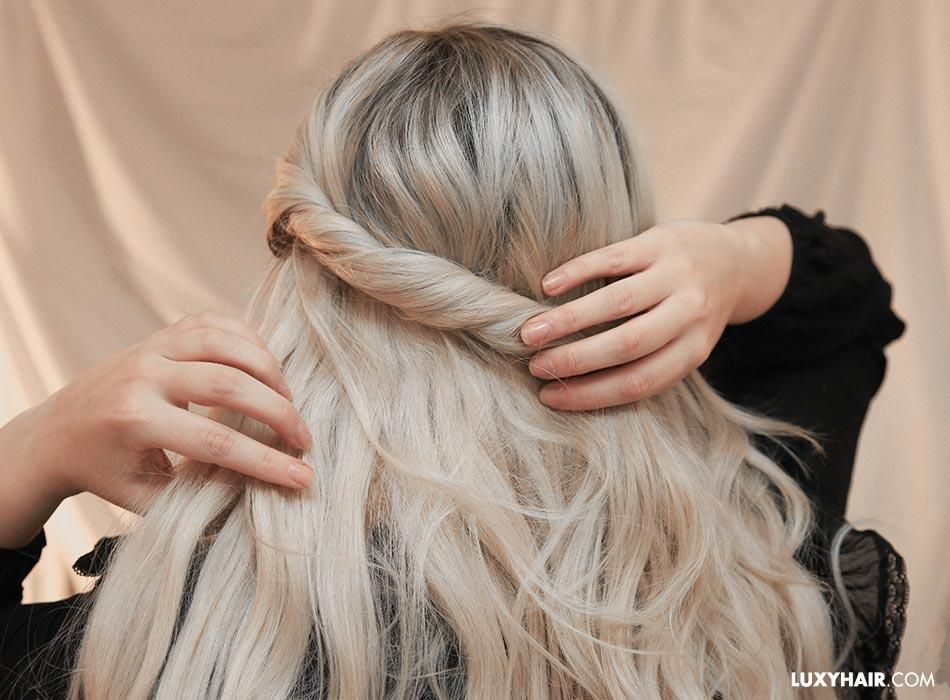 How To Style Halo Extensions In Less Than 5 Minutes In 2020 Hair Styles Halo Extensions Loop Hair Extensions