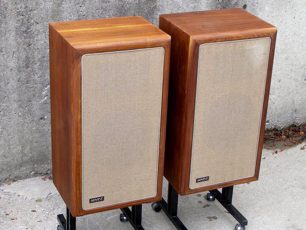 seventies stereo the advent loudspeaker in walnut great. Black Bedroom Furniture Sets. Home Design Ideas
