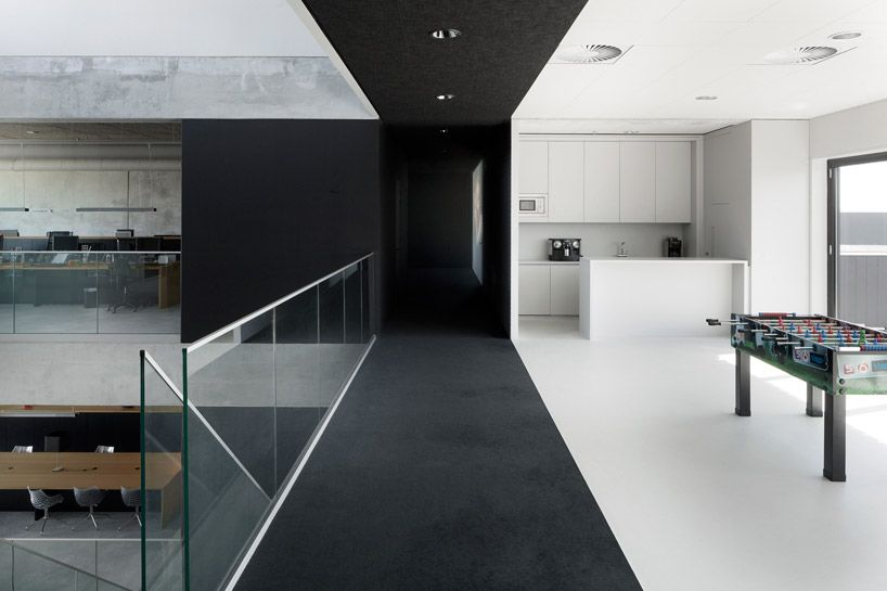 i29 interior vmx architects mediaxplain office amsterdam
