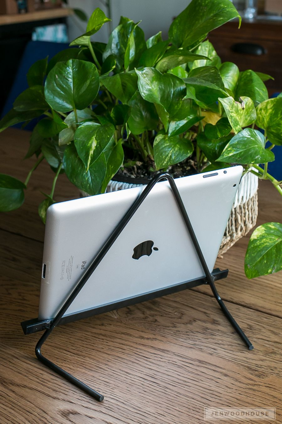 Diy metal ipad tablet stand house of wood projects pinterest