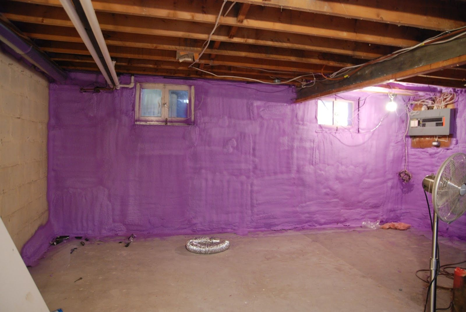 Attrayant Spray Foam Insulation On Concrete Basement Walls