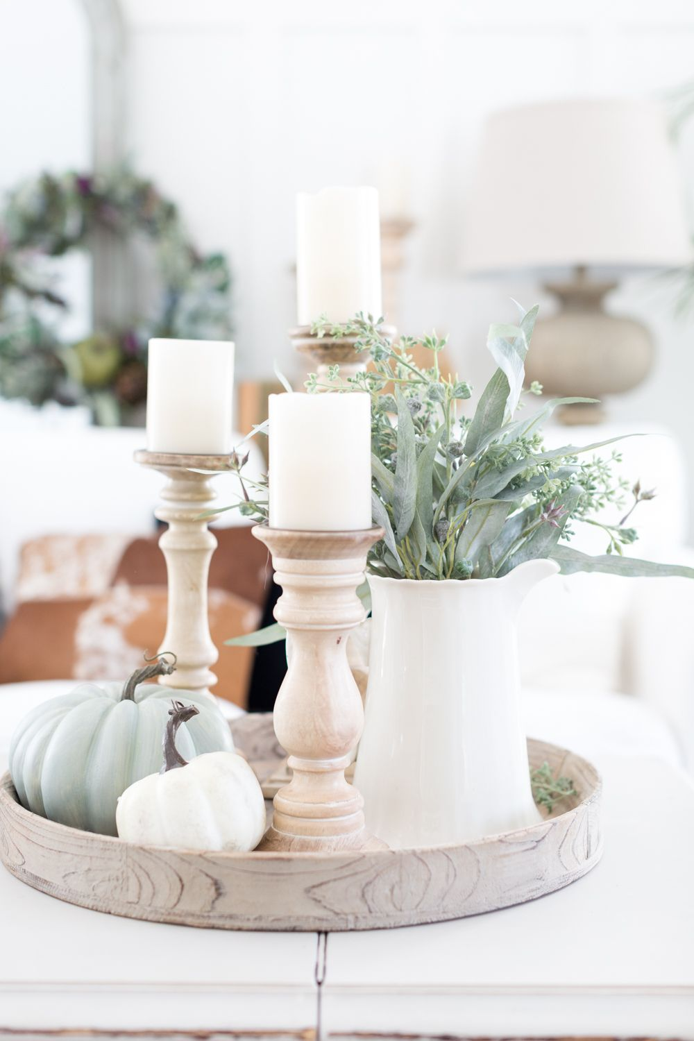 The Farmhouse Look Is Super Popular If You Love This Design Style Keep Reading For Some Gorgeous Farmho Fall Decor Inspiration Fall Decor Diy Fall Home Decor