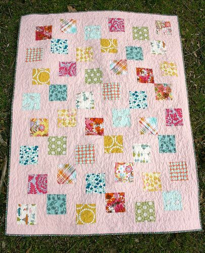 Very simple but clever way of putting together. This blog has ... : putting a quilt together - Adamdwight.com