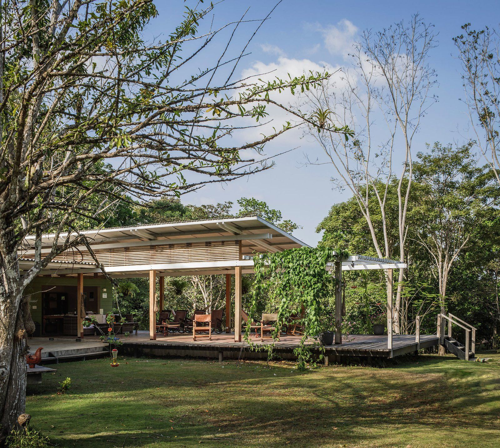 An eco-friendly retreat built in a lush forested area near a natural reserve in Panama.