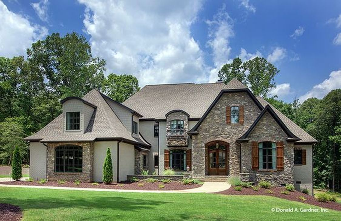 Stylish French Country Exterior For Your Home Design Inspiration 35 Country House Design French Country House Plans Craftsman Style House Plans