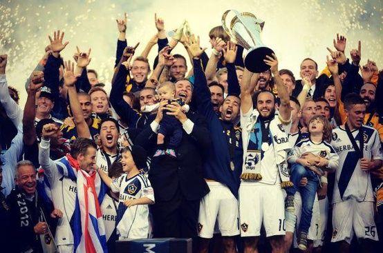 La Galaxy Accept The Mls Cup Trophy For A 2nd Straight Year Mls Cup La Galaxy Houston Dynamo
