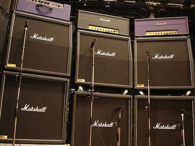 marshall amps stacked up on stage marshall amp gallery in 2019 guitar rig bass amps amp. Black Bedroom Furniture Sets. Home Design Ideas