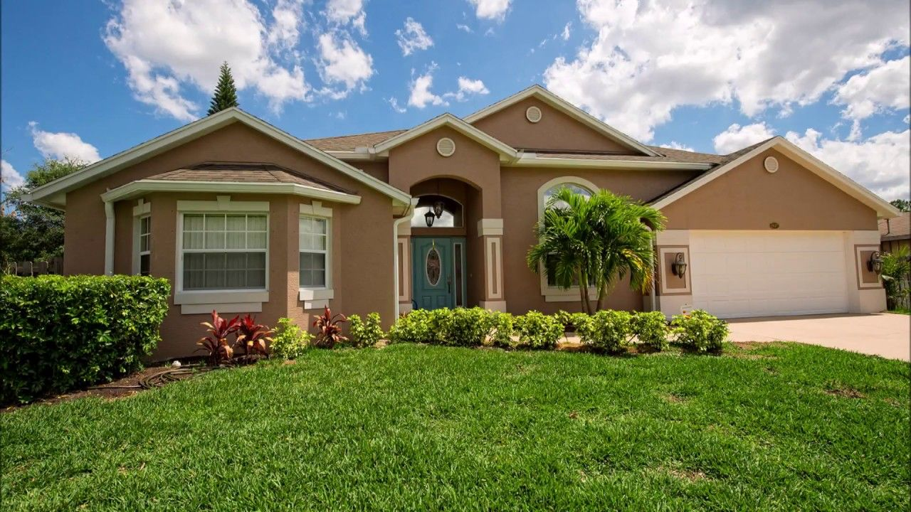 1937 Sw Davis Street Port Saint Lucie Fl 34953 Florida Real Estate Waterfront Property Fenced In Yard