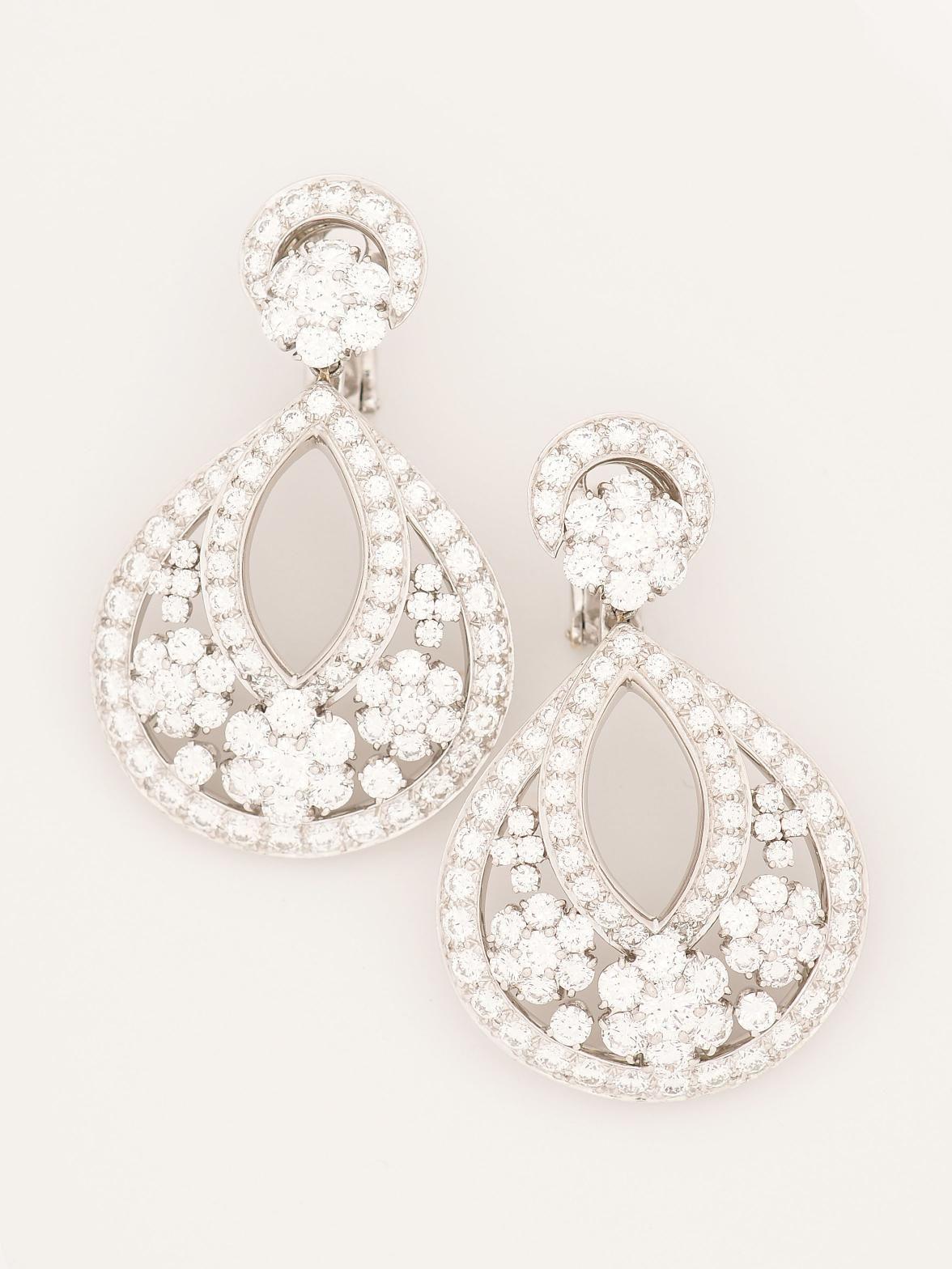 Van Cleef Arpels Platinum Snowflake Diamond Earrings Drop With Cers At