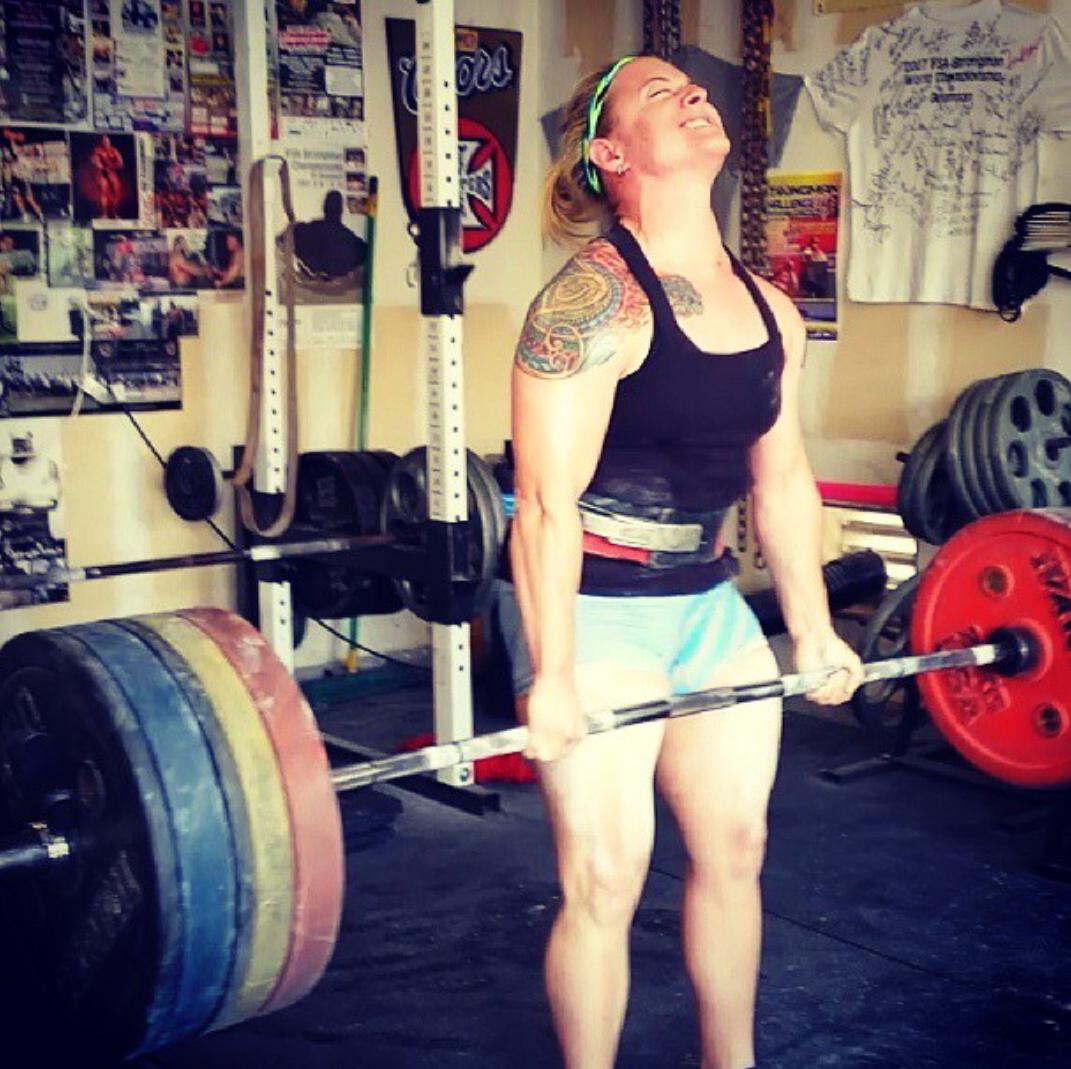 Alanna Casey S Version Of 5 3 1 Powerlifting Women Powerlifting Strongman Training