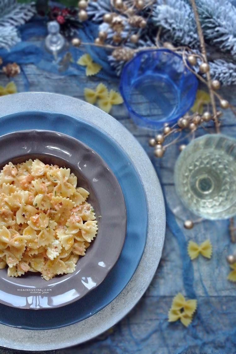 Smoked Salmon Pasta @vicaincucina | Farfalle al salmone, cognac e pepe rosa. Ricetta di   Ottimo piatto per il pranzo di natale o  cena di capo d'anno!