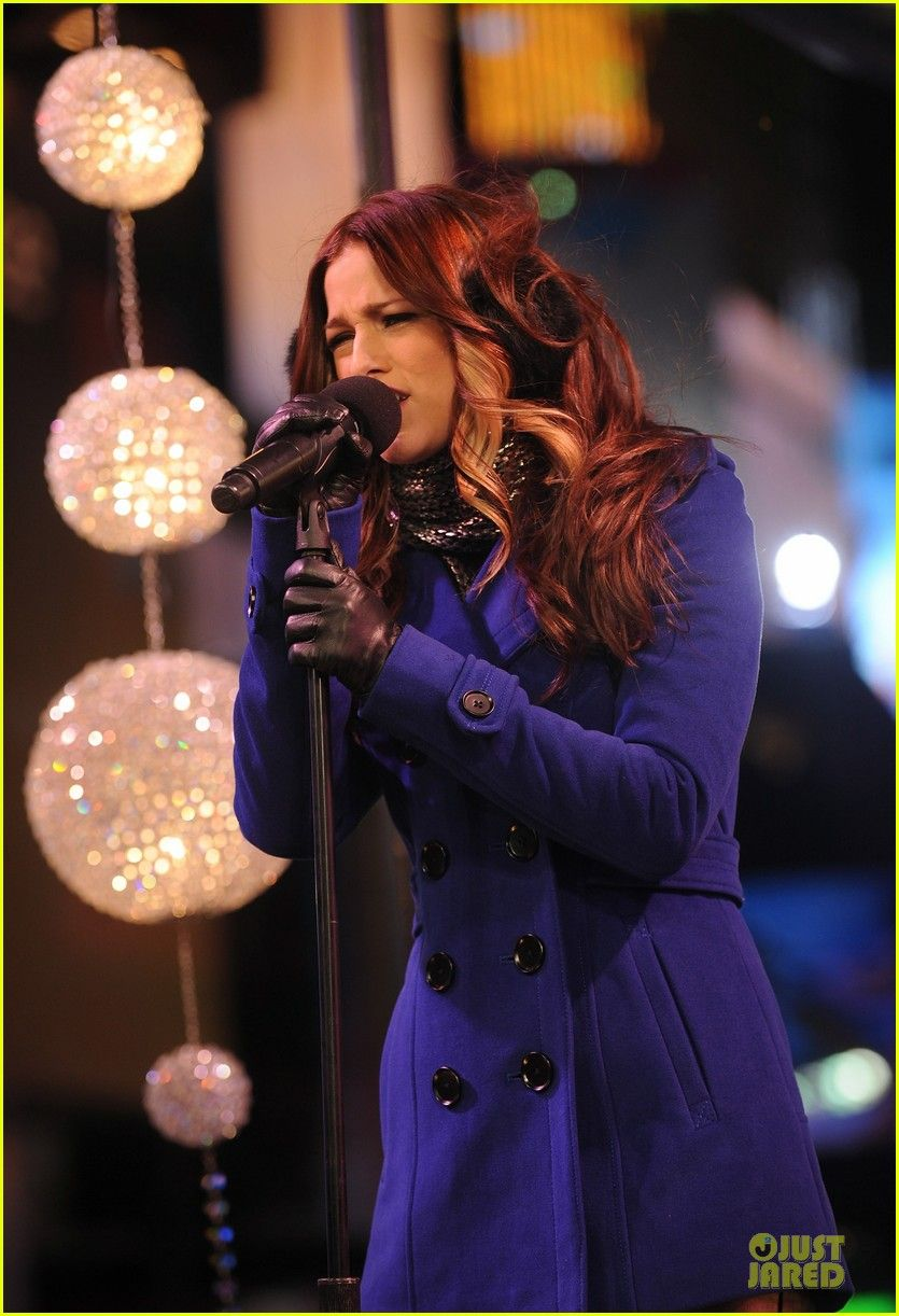 Cassadee Pope 'New Year's Eve 2013 With Carson Daly