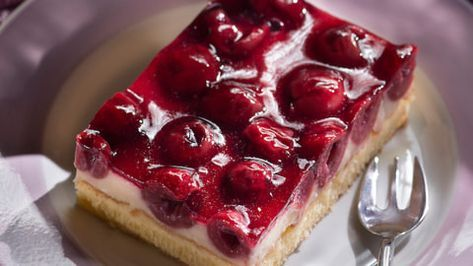 Cherry sour cream cake from a tin