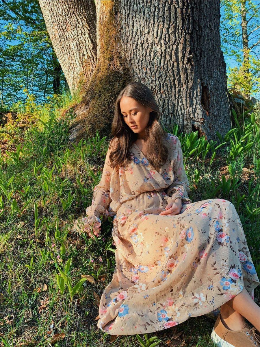#fashion #fashionshoot #flowers #floral #dress
