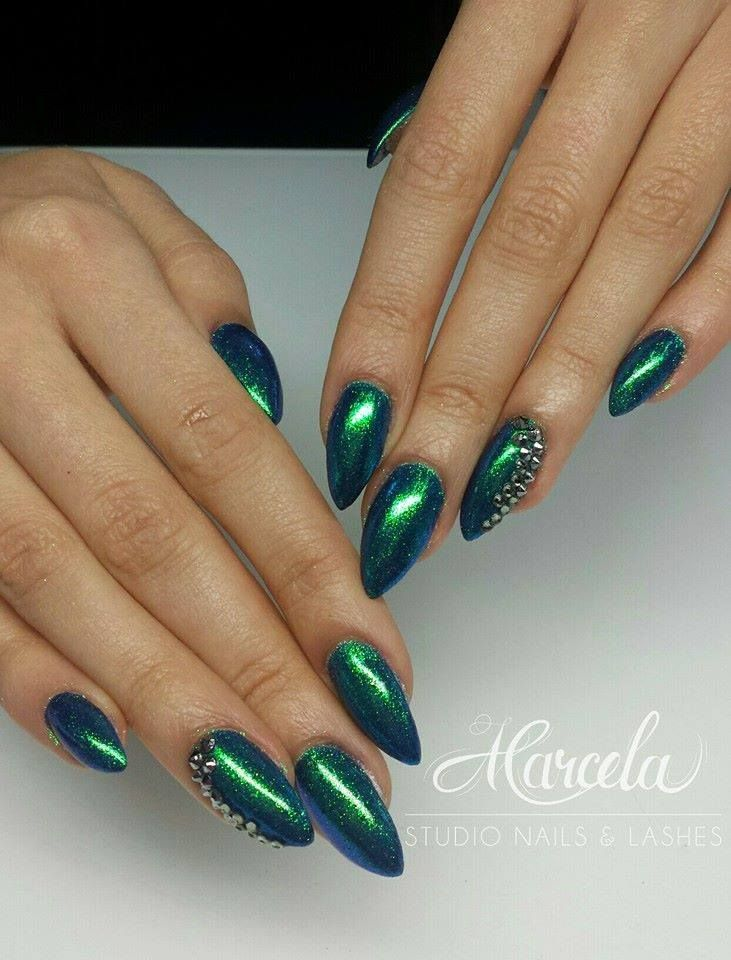 green studio nails