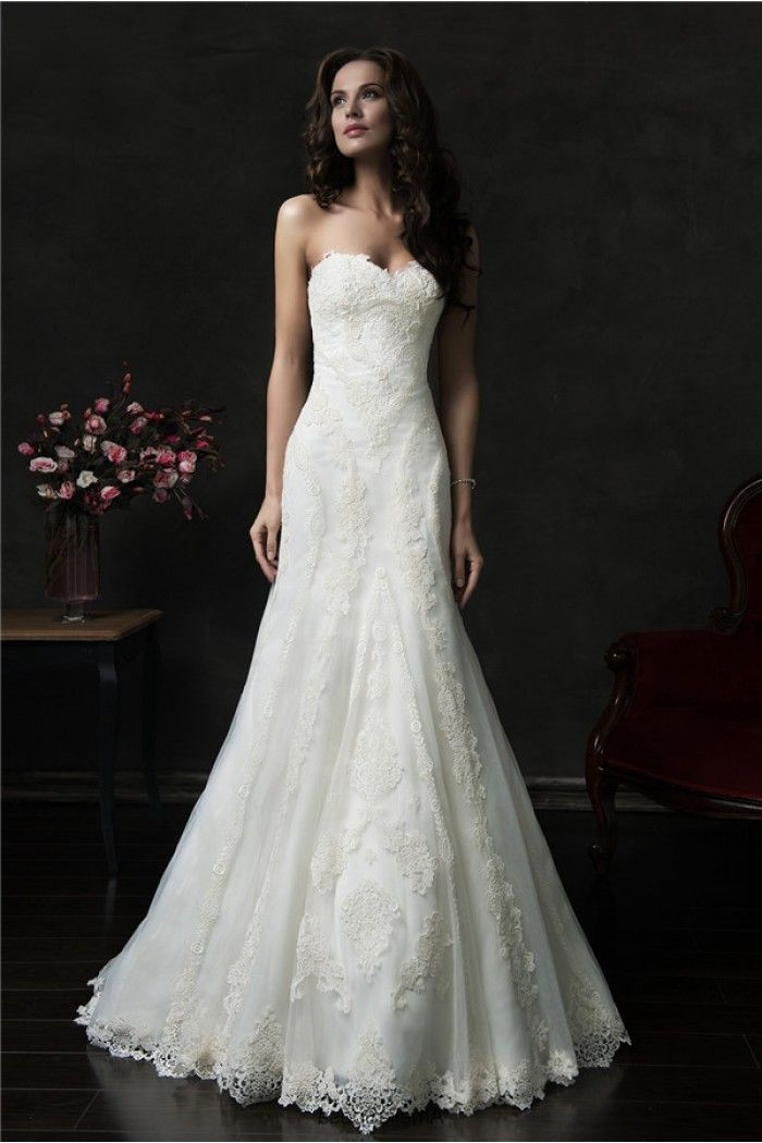 Vintage Strapless Lace Wedding Dress