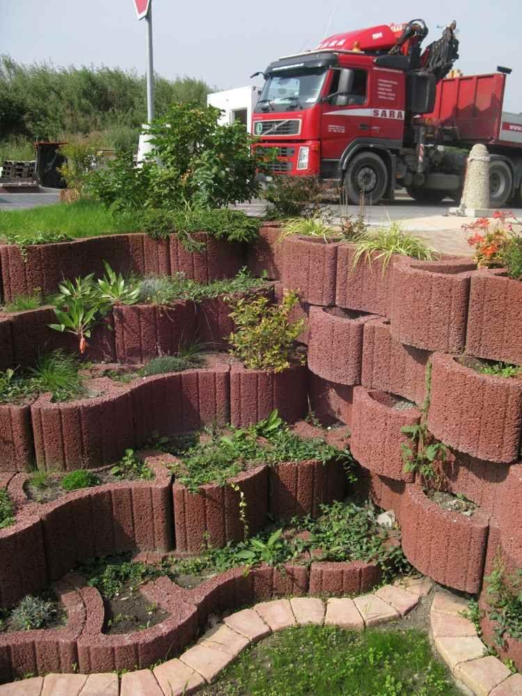 pflanzringe-beton-setzen-gartengestaltung-wellenförmig-anordnung, Hause und garten