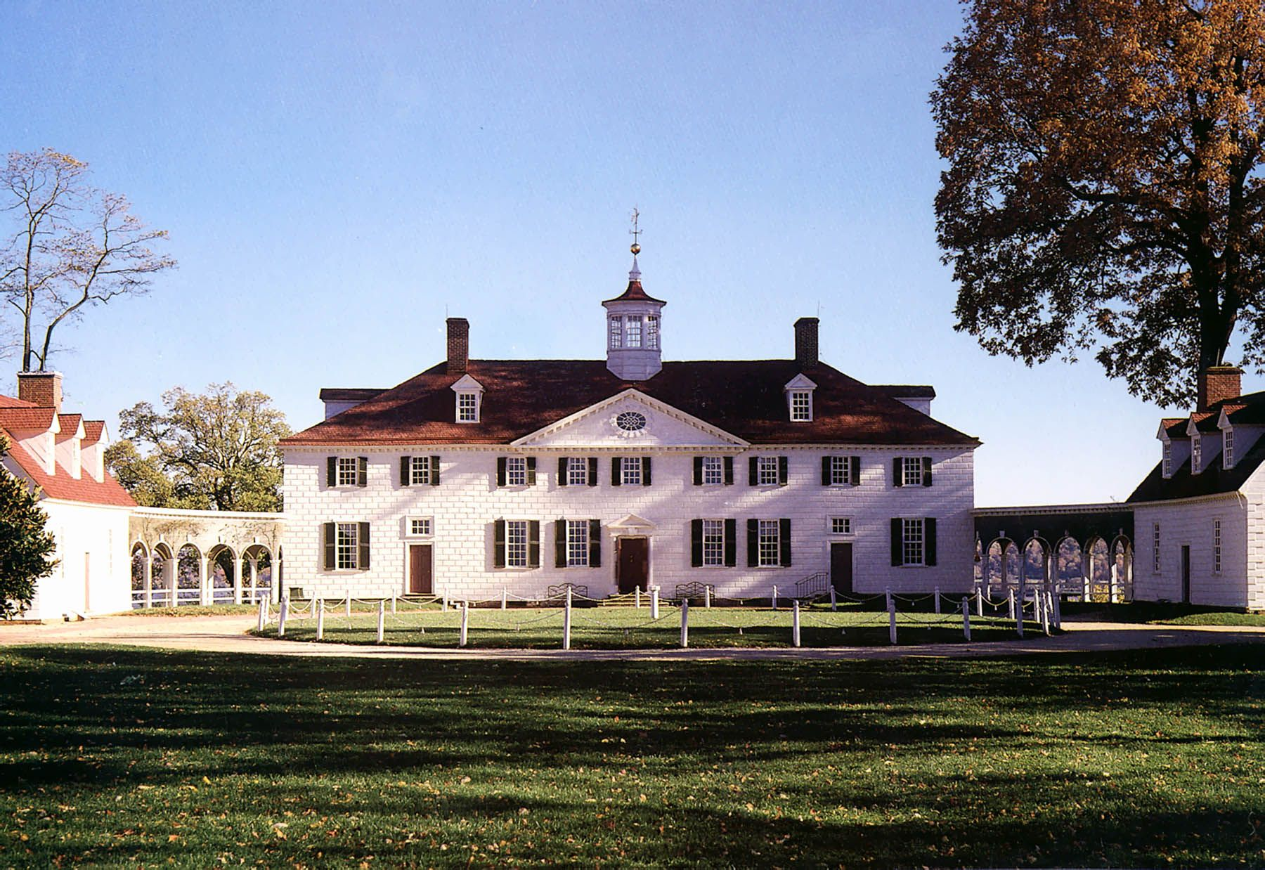Neoclassical federalist idealist mount vernon and for George washington plantation