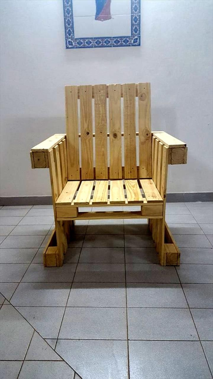 DIY Pallet Armchair Design