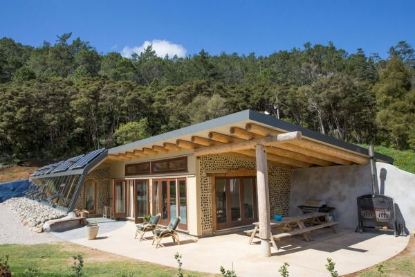 Grand Designs Earth House Highlights An Off The Grid Lifestyle