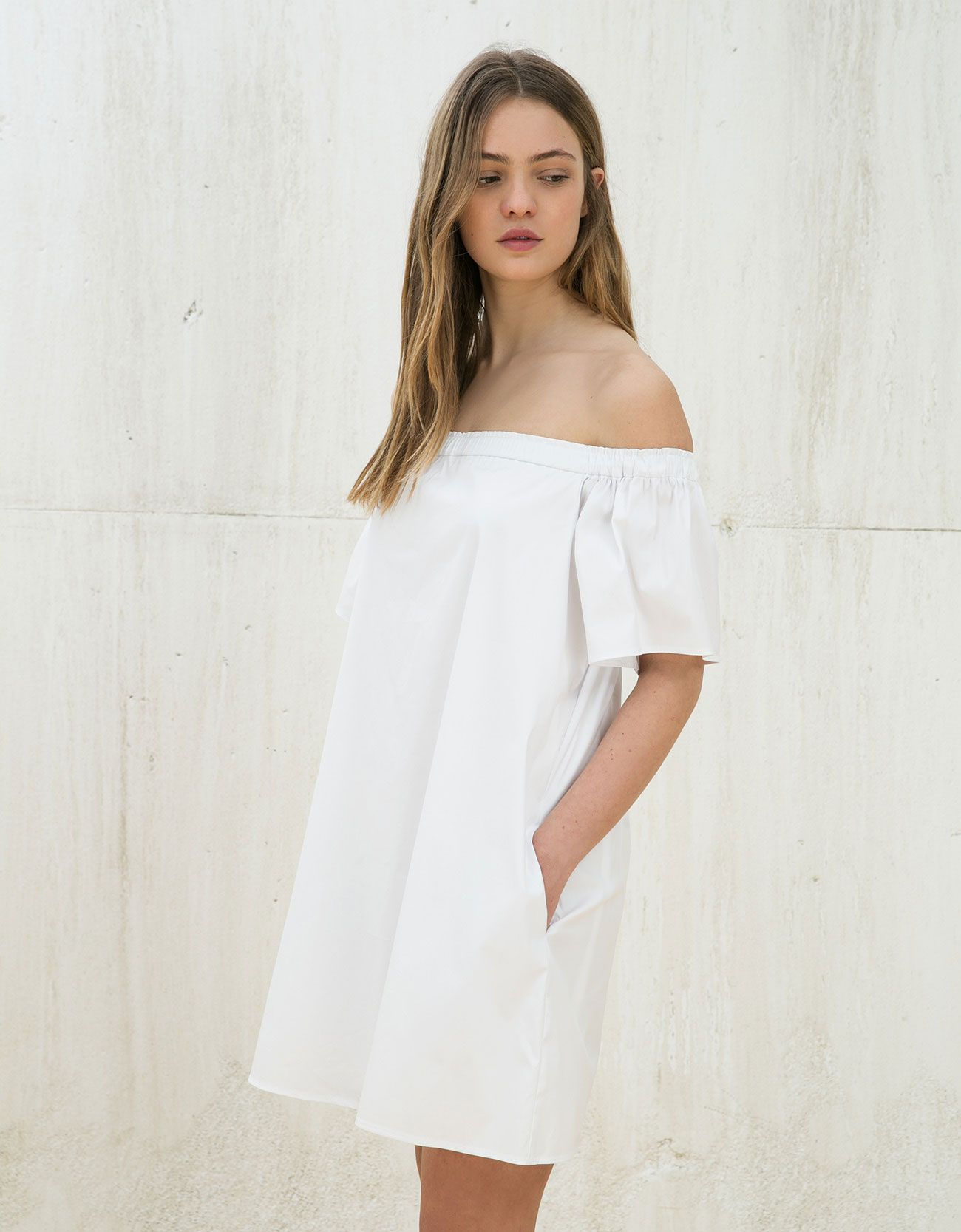 Vestido off shoulder con volante | Fashion statements