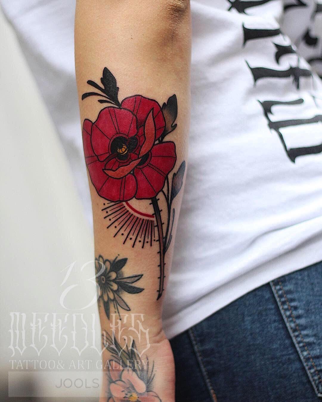 By Jools Jools13 Tattooart Poppy Poppytattoo Custom Wannado Mohn M Traditional Poppy Tattoo Traditional Style Tattoo Traditional Tattoo Flowers