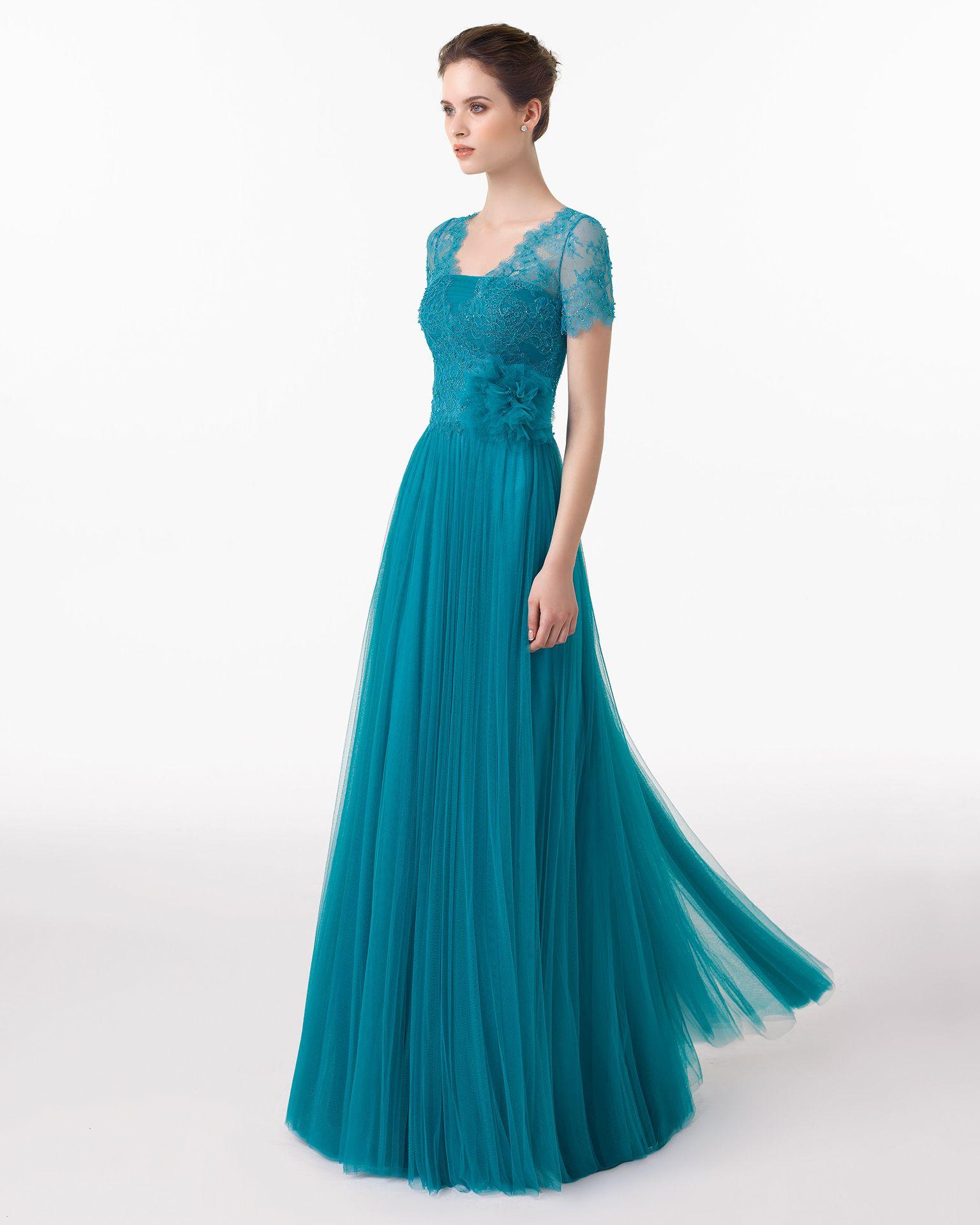 Vestido y chal de tul sedoso, encaje y florColor esmeralda – rosa ...