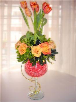 Elegante Arreglo de Rosas y Tulipanes!!