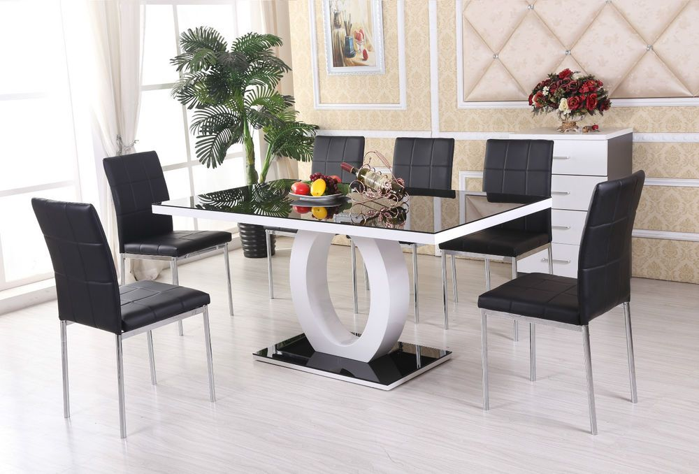 Attractive GIOVANI Black/White High Gloss Glass Dining Table Set And 6 Leather Chairs  Seats