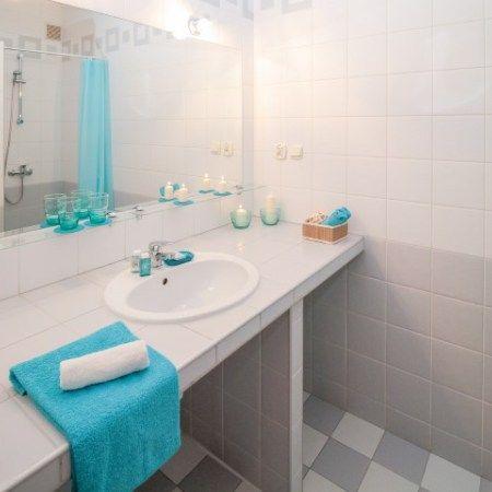 Voegen, vieze voegen in onze badkamer. Dat schoonmaken niet mijn ...