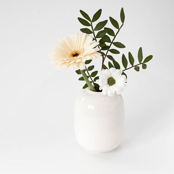 Small Ceramic Vase White Flower Vase Ceramic Ceramic Bud Vase Modern Vase Porcelain Minimalist D Flower Vases White Vases Vase Design