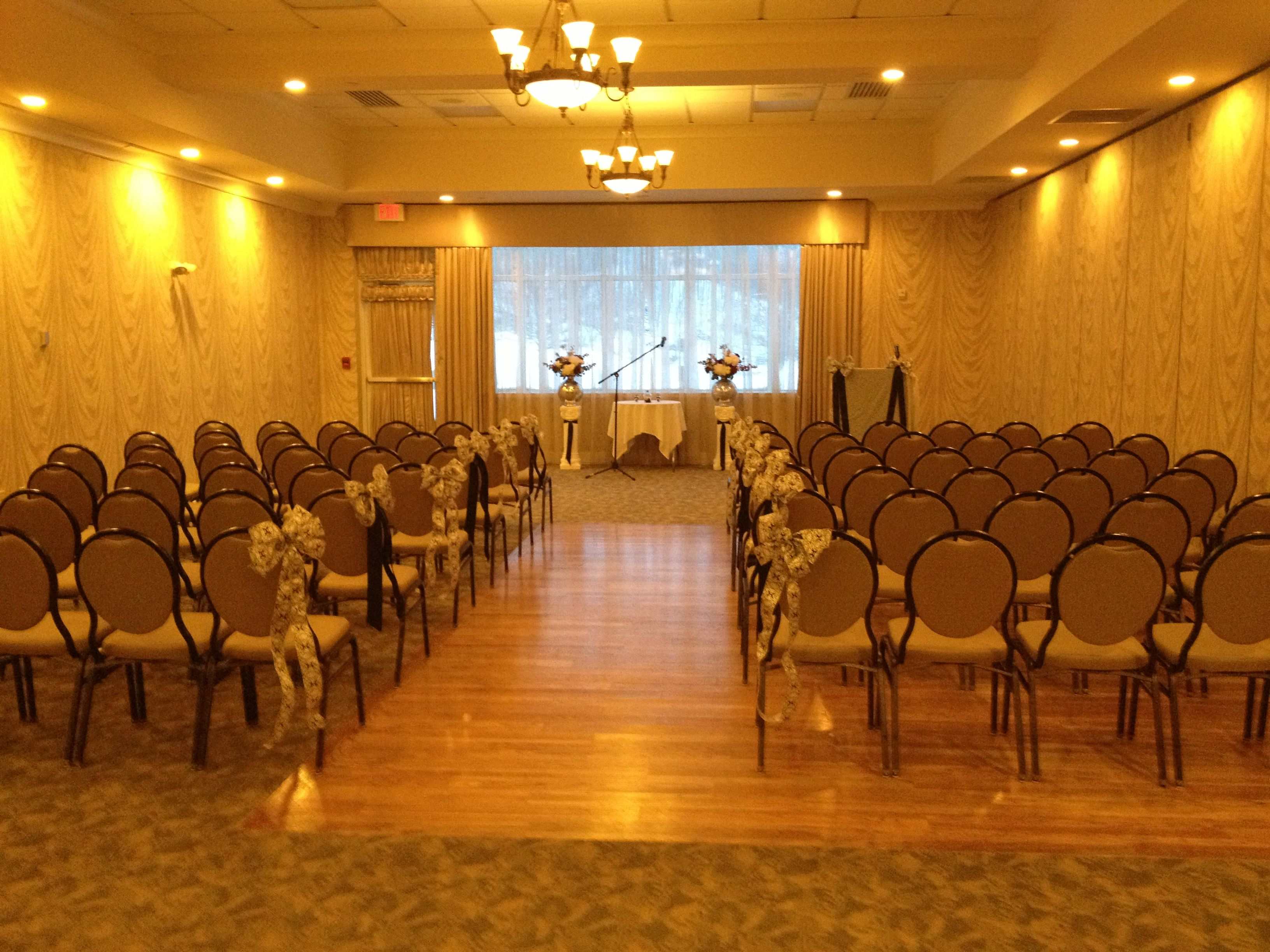 Preparing for the Durgin/Lapalnte wedding ceremony at The Hilton ...