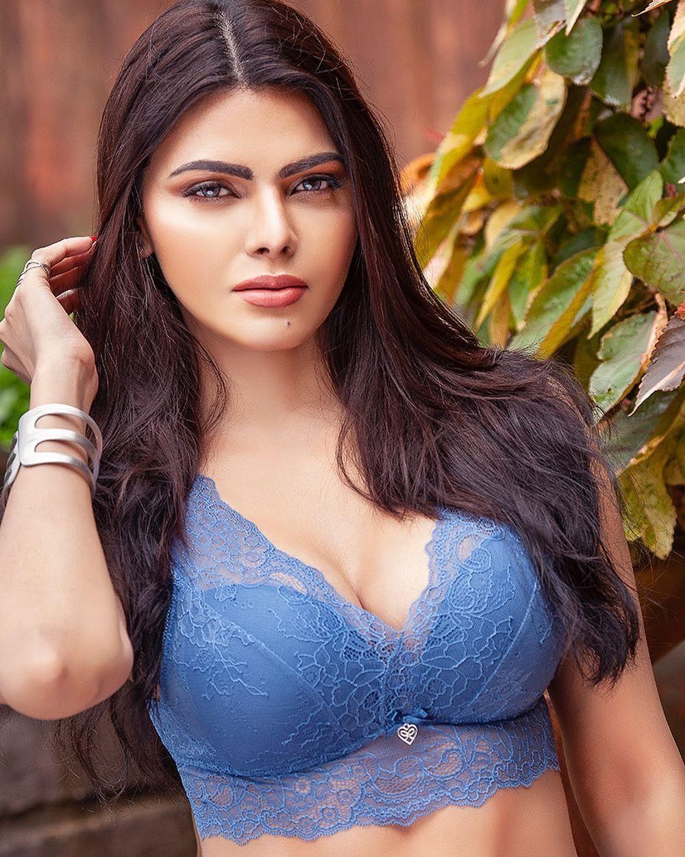 2019 Sherlyn Chopra nude photos 2019