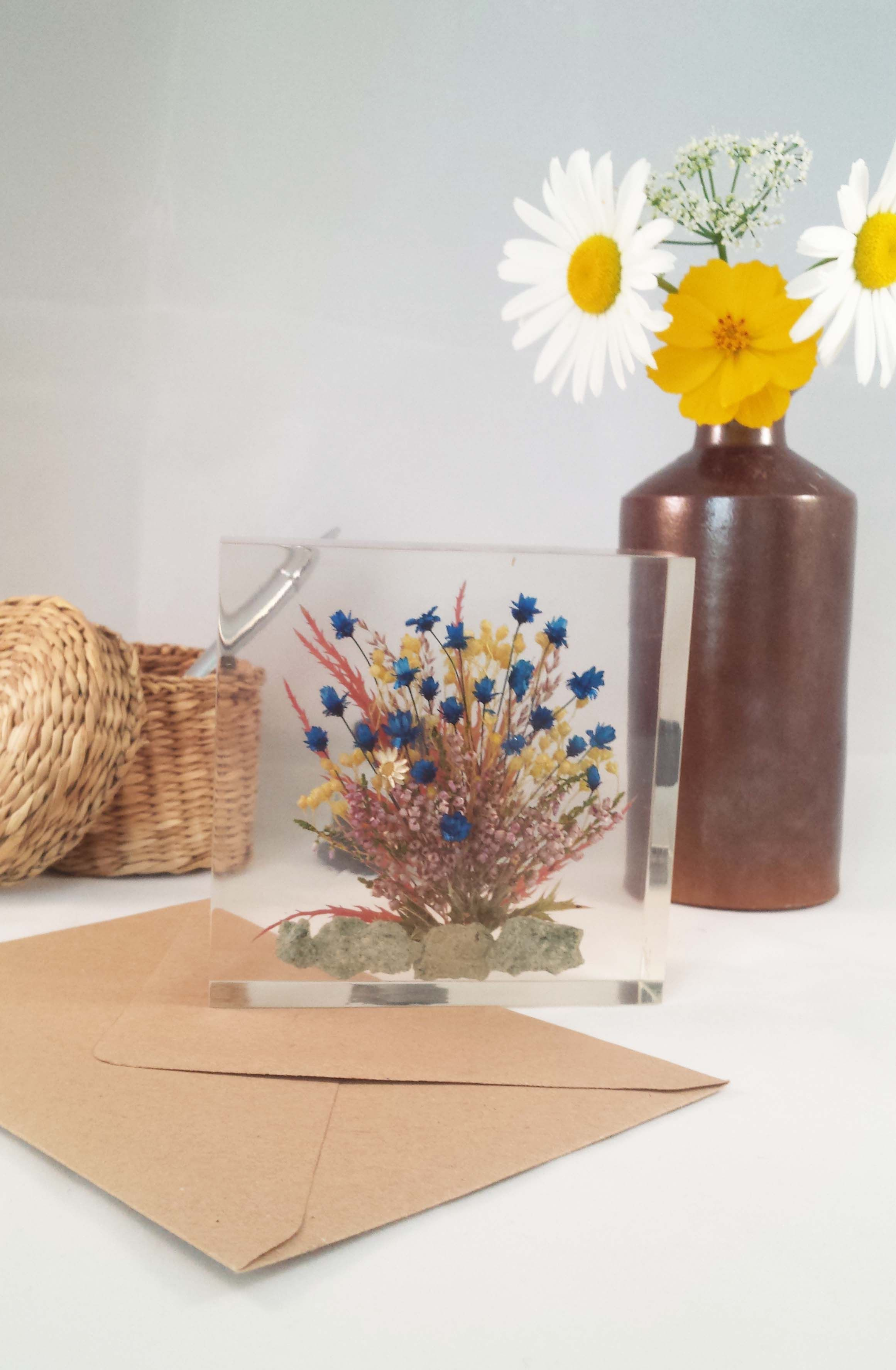 Floral inclusion mini yellow and blue everlasting flowers floral inclusion mini yellow and blue everlasting flowers izmirmasajfo
