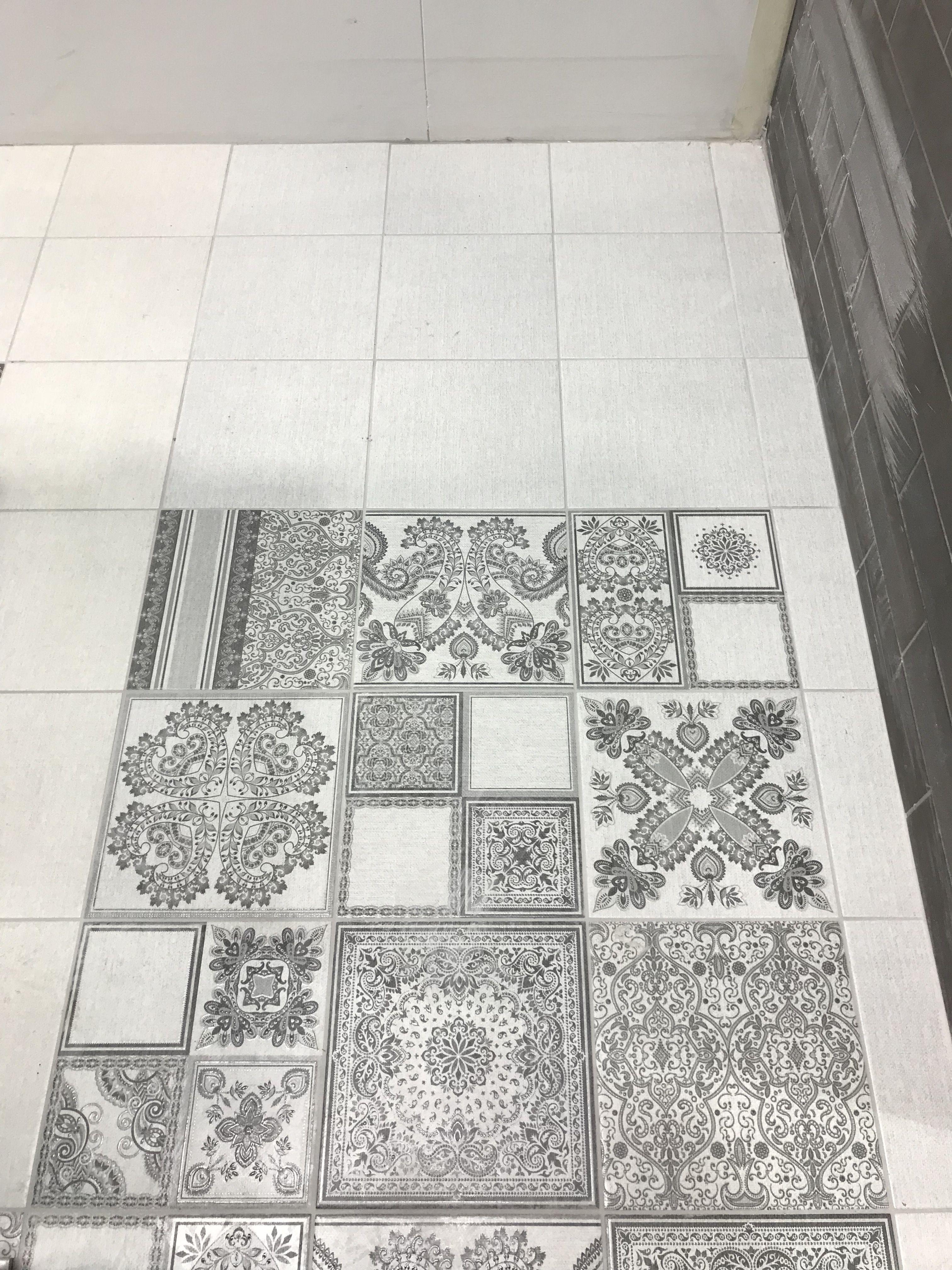 Cuadrado Persian Carpet Grey 23 5 X 23 5 Cm Bouquetceramic Bricktiles Metrotiles Porcelaintiles Porcelain White Ran Azulejos Interiores Design Cuadros