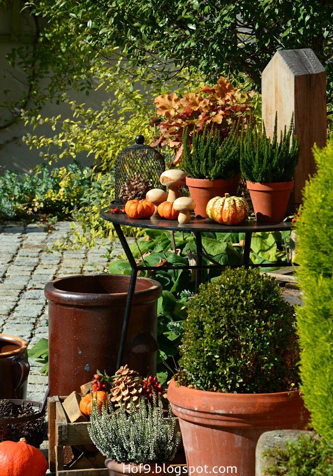 Dekoration mit Hagebutten, Herbstdeko, Deko für Innenhof, Dekoration mit Kürbis, Herbstdeko mit Kürbis #herbstdekoeingangsbereichdraussen