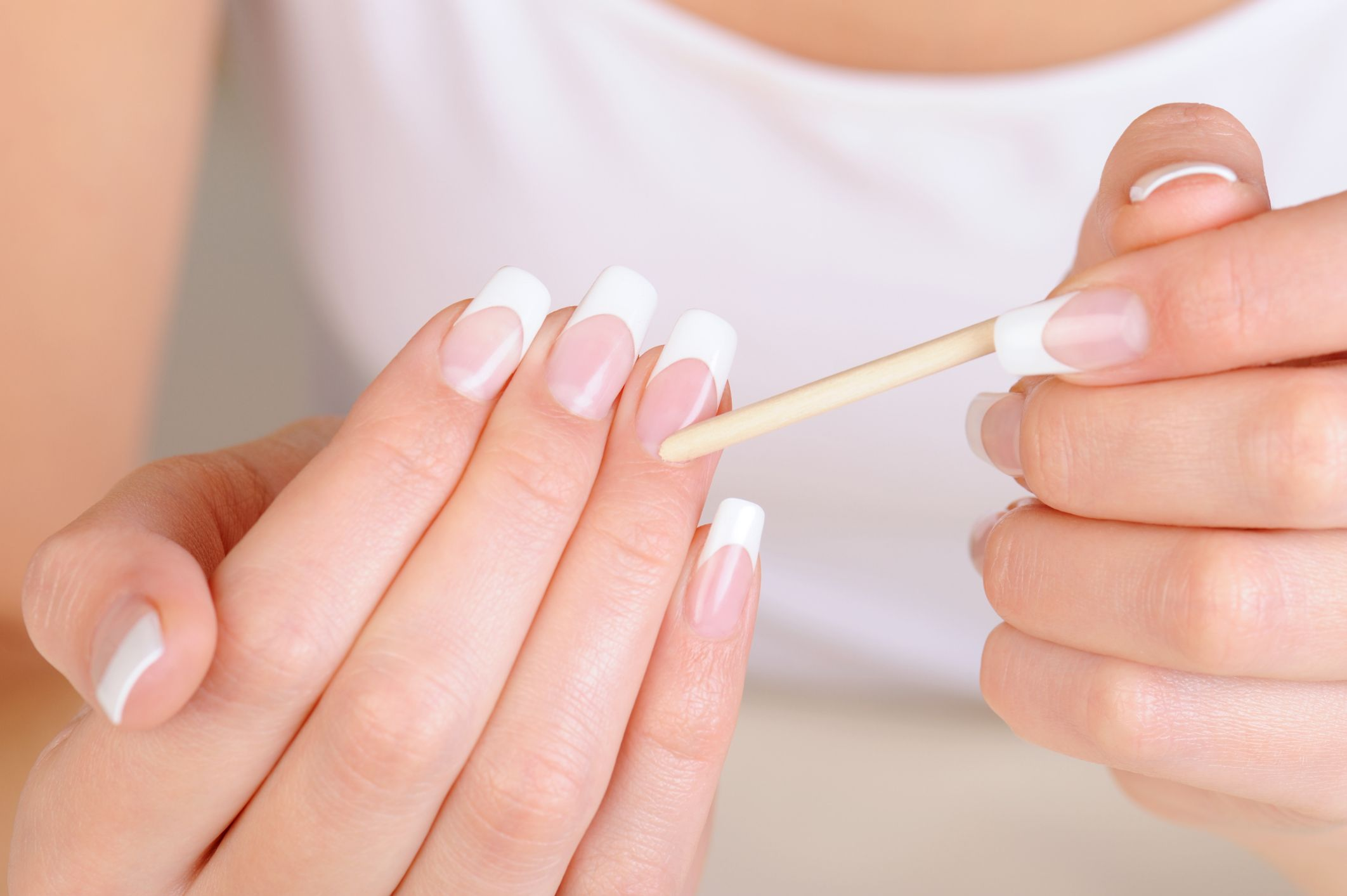 What You Need to Know about Silk Wrap Nails | Beauty and Treatments ...