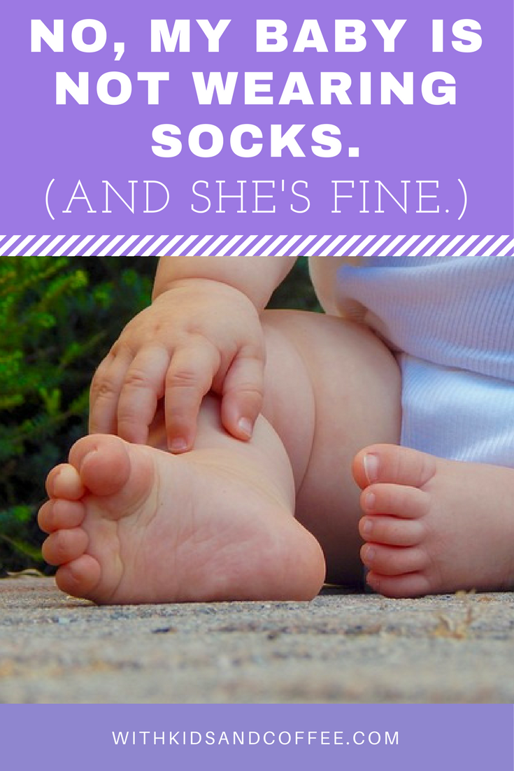 0c3e19dc0db6 It s okay for babies not to wear socks. They don t need to ...