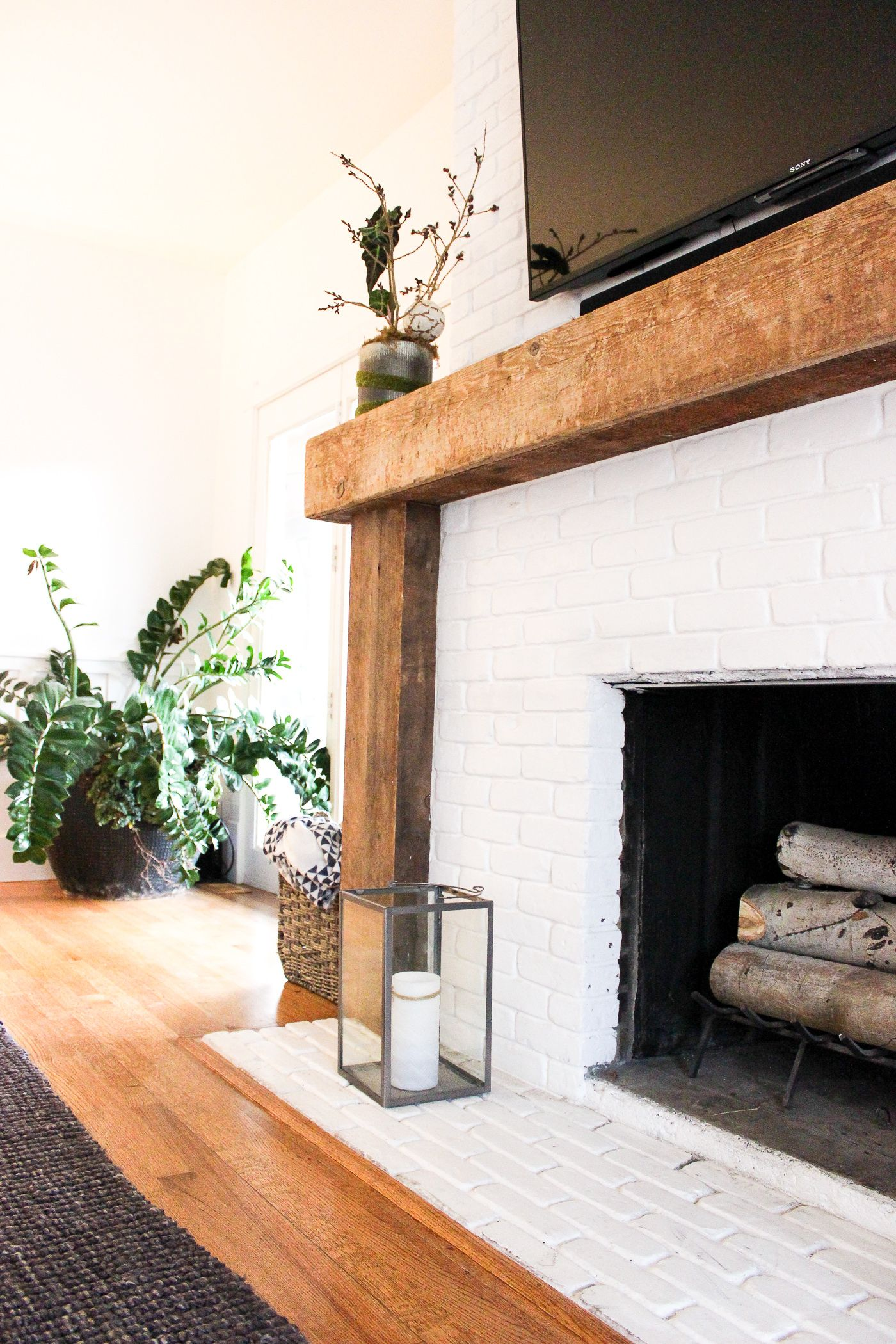 Eclectic Minimalism in Park City (Part 1) #whitebrickfireplace