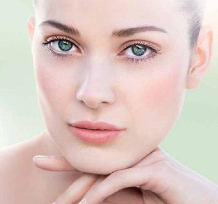 Cos'è il Tightlining, l'eyeliner invisibile che rende gli occhi più belli e le ciglia più folte!