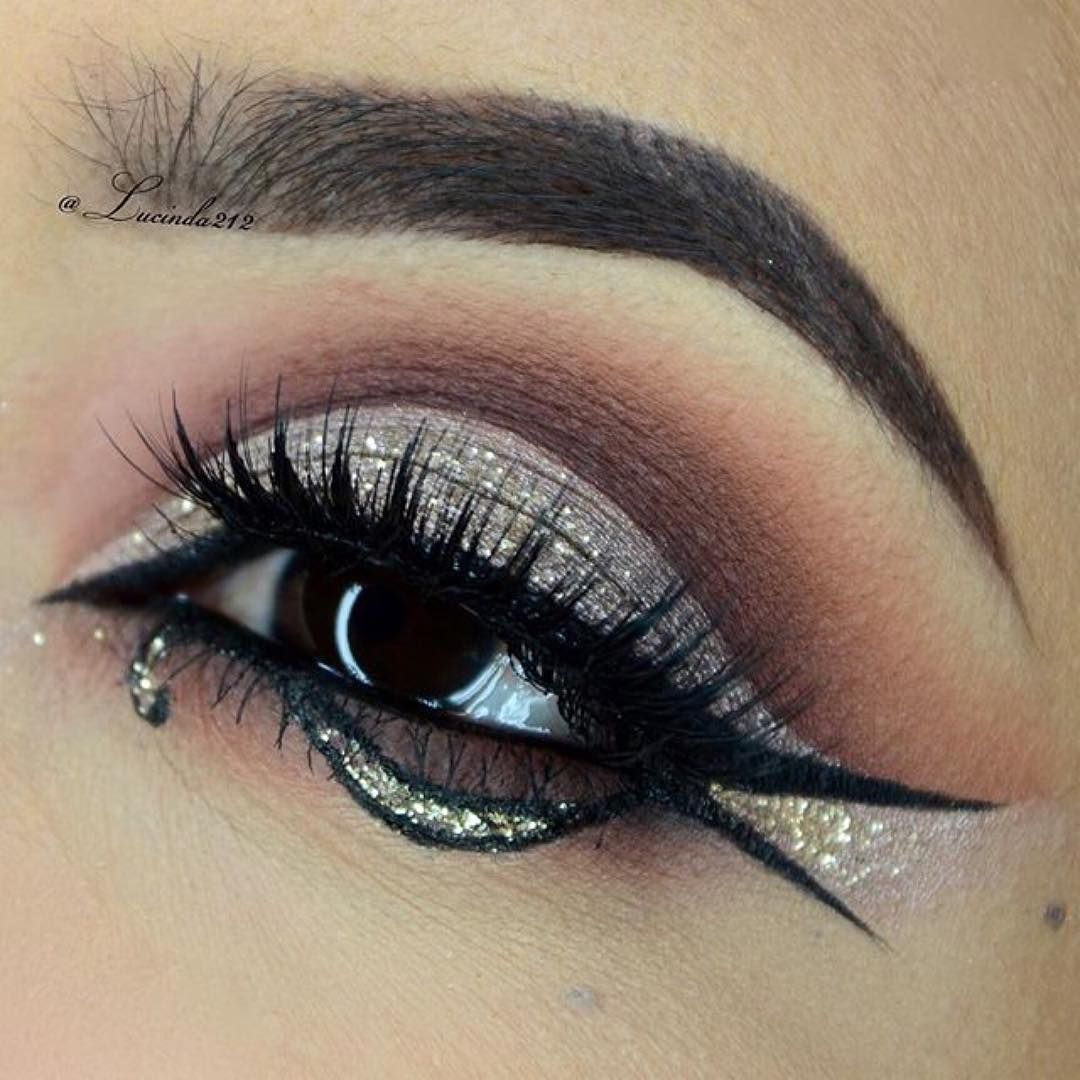 Instagram gold graphic how gorgeous is the how gorgeous is the golden glittered look by the amazing lucinda212 she used litcosmetics glitter in gold digger litgolddiggerall to add sparkles to ccuart Images