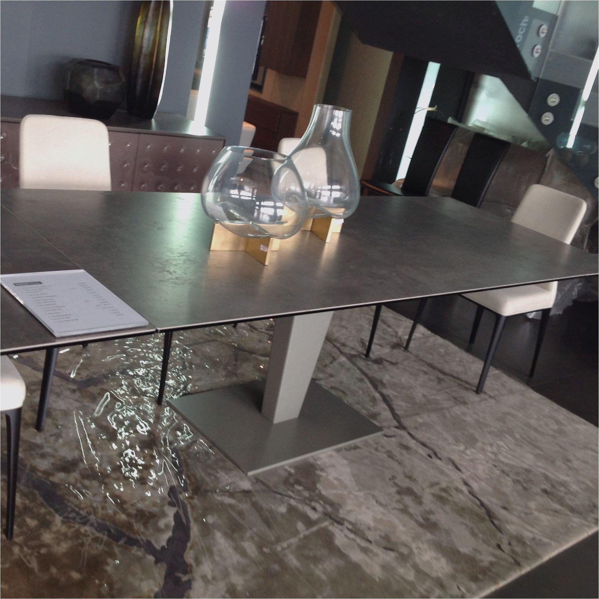99 Table Salon Dessus Ceramique Table Salle A Manger Table Salon Roche Bobois Table