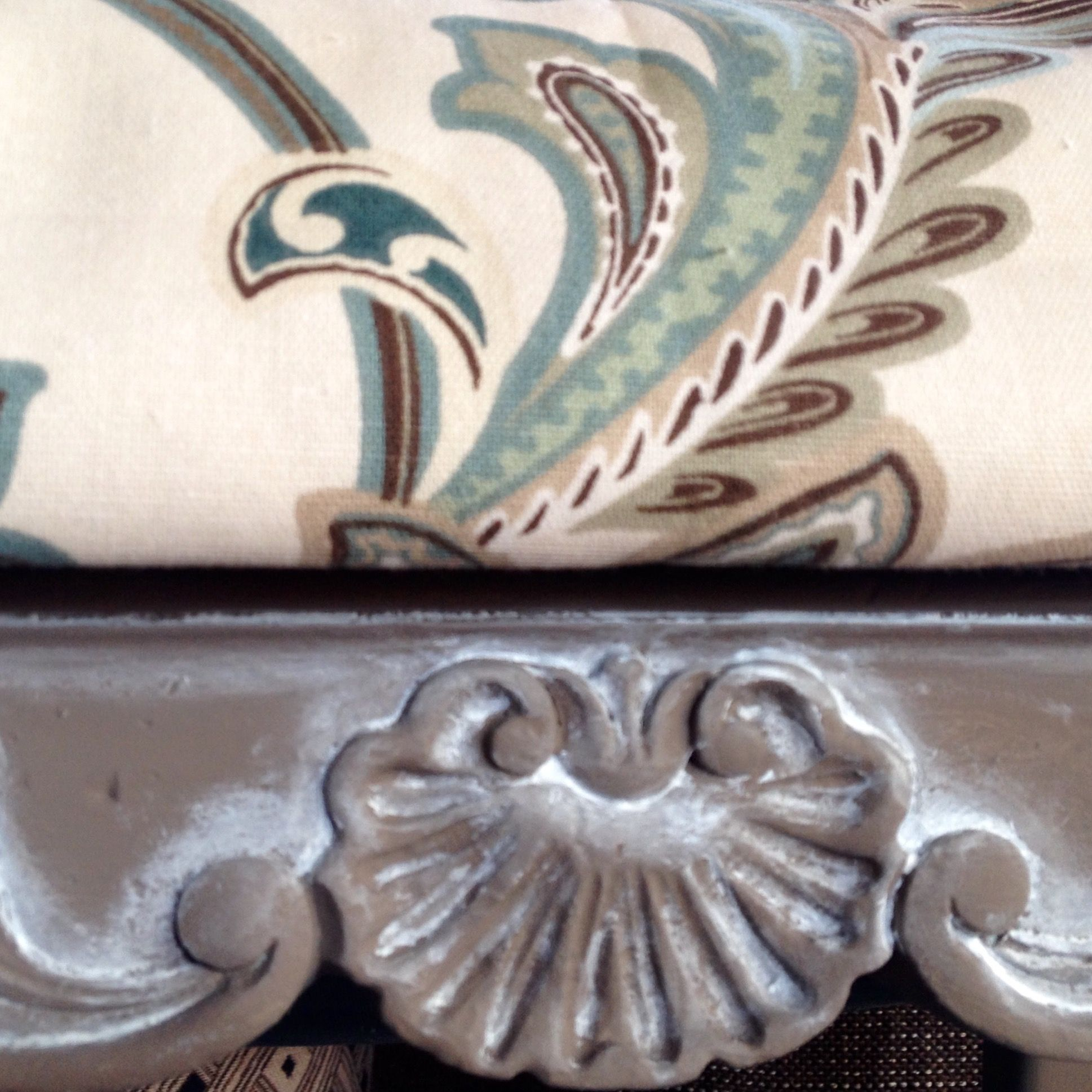 Upclose of the cardamon brown chalk style paint and white glaze used