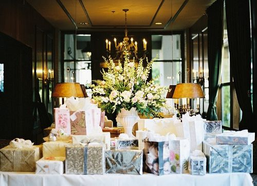 4865a4748fdd32b087a94abe2daa3b4d explore wedding gift tables wedding gifts and more negle Gallery